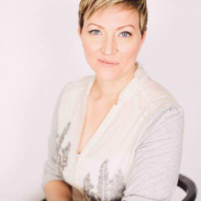 Sarah Hutchinson, Hom.